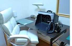 塗装スペース。座席数は2席で、作業スペースは幅120cm×奥行60cm。